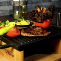 200 gr. ızgara dana bonfile, köz biber domates, haşlanmış sebze, patates püresi