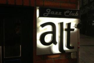 Alt Caz Club