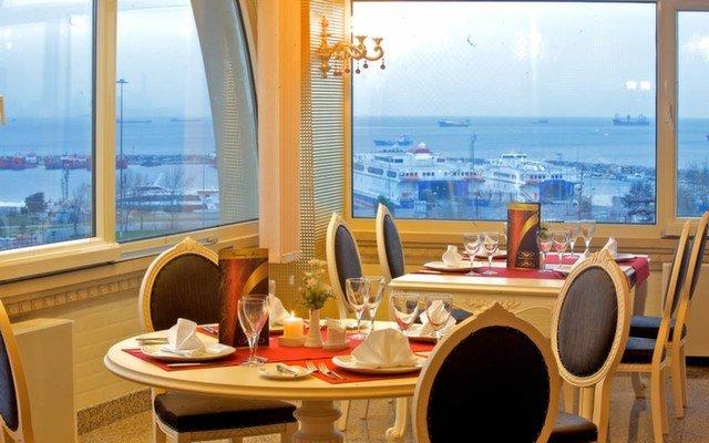 Adalar ve Marmara Denizi Manzarasıyla Marmaray Hotel'de Sınırsız Çay İle Açık Büfe Kahvaltı!