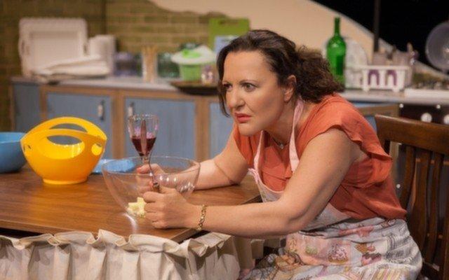 Usta Oyuncu Sumru Yavrucuk'tan Shirley Adlı Muhteşem Tiyatro Oyunu!